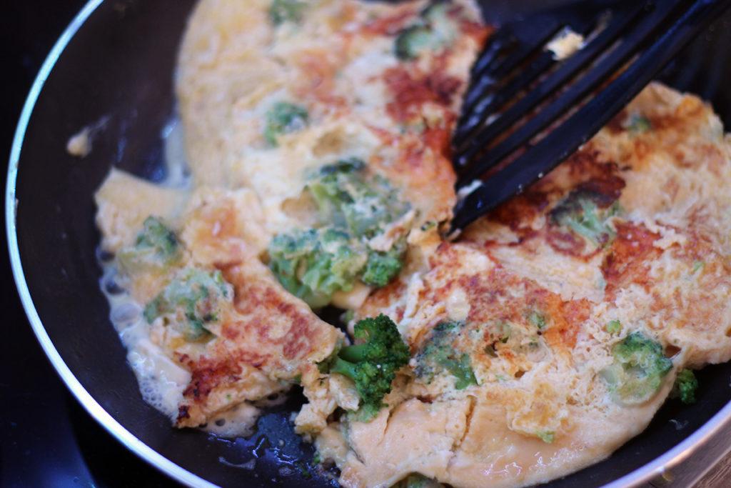 Einfache und schnelle Rezepte - Brokkoli Feta Omelette