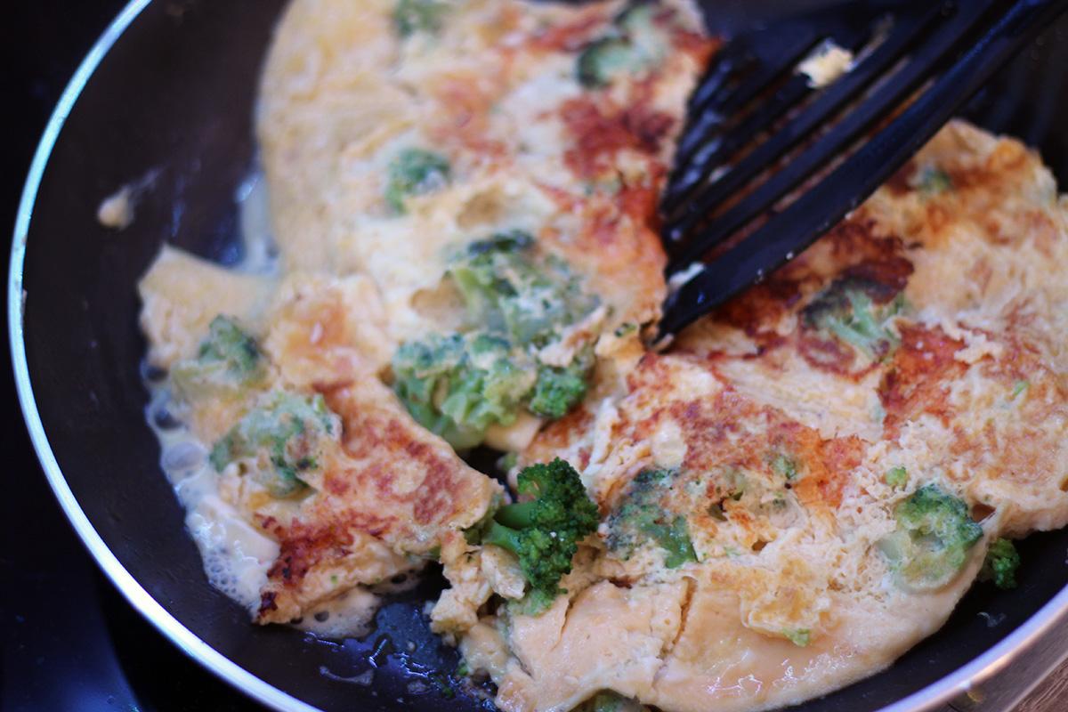 Brokkoli-Feta Omelette