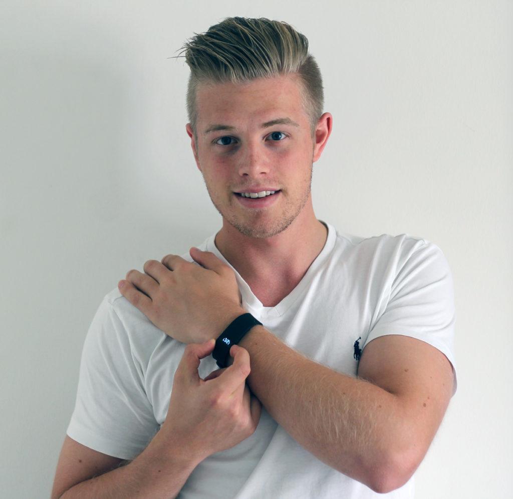Fitbit Charge HR getragen