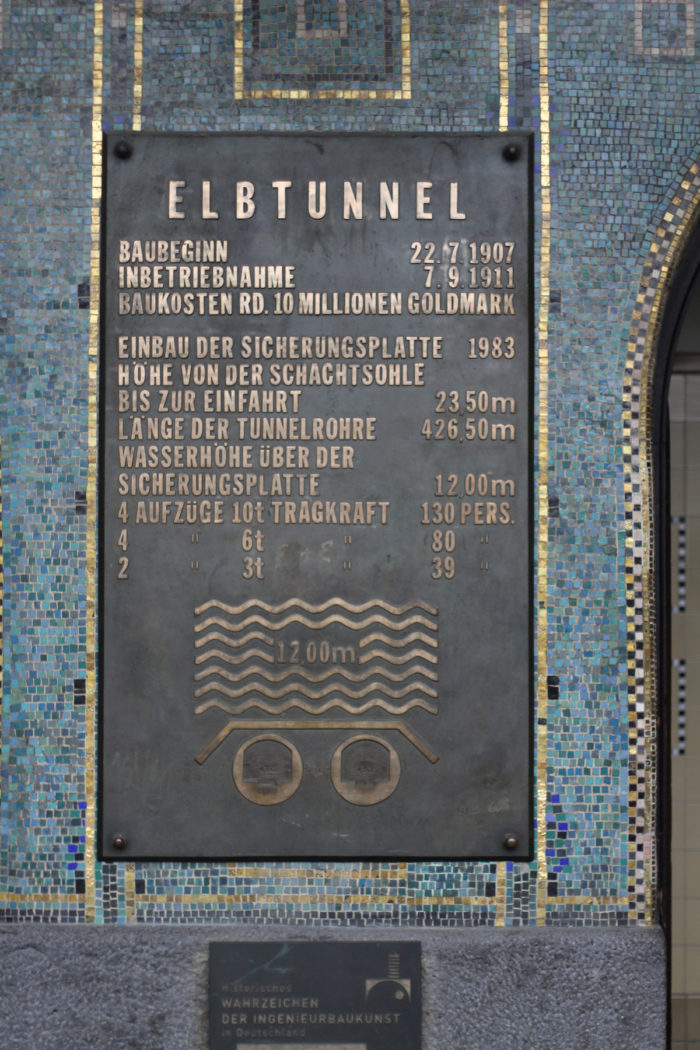 Hamburger Hafen - Alter Elbtunnel