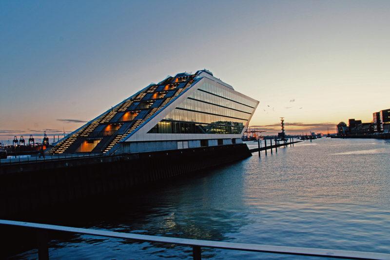 Dockland Hamburg Sonnenuntergang