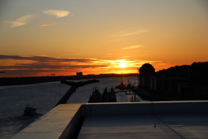 Dockland Hamburg - Sonnenuntergang Blankenese