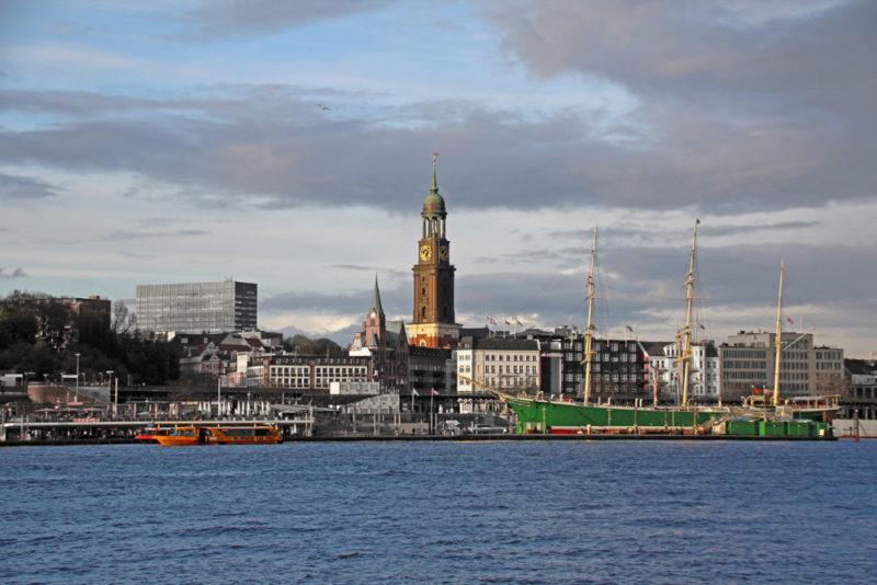 Steinwerder - Blick auf den Hamburger Hafen