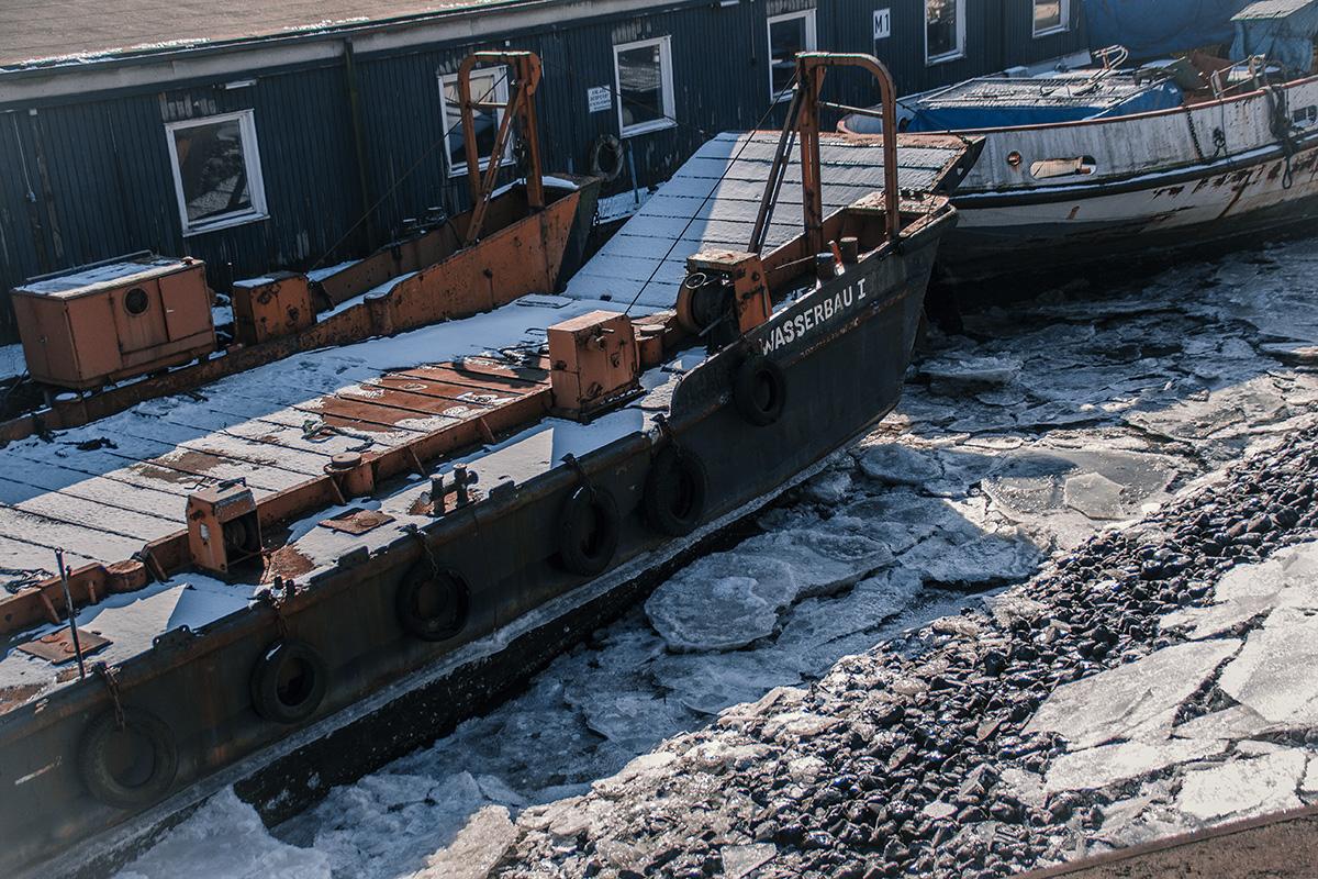 Winter in Hamburg - Altes Schiffwrack