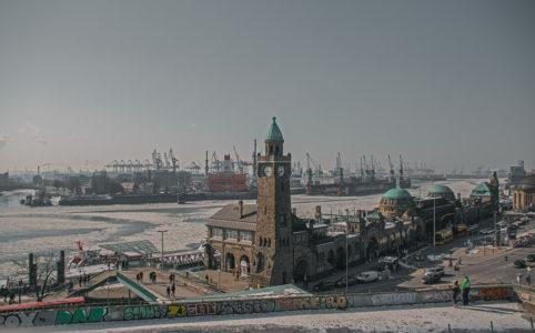 Winter in Hamburg - Hamburger Hafen Landungsbrücken