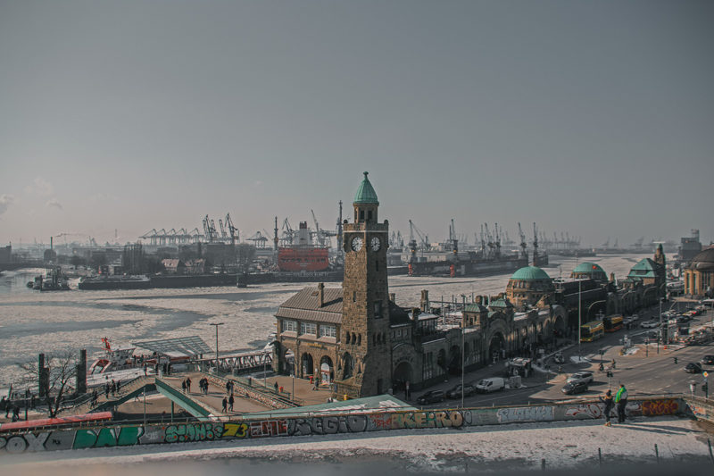 Winter in Hamburg - Hamburger Hafen Landungsbrücken