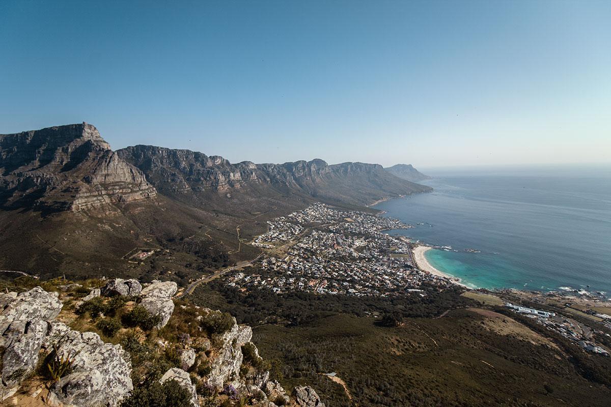 Lions Head Blickrichtung Tafelberg und Camps Bay